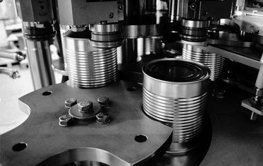 کاربرد دستگاه دربندی در خطوط تولید محصولات کنسروی و کمپوتسازی