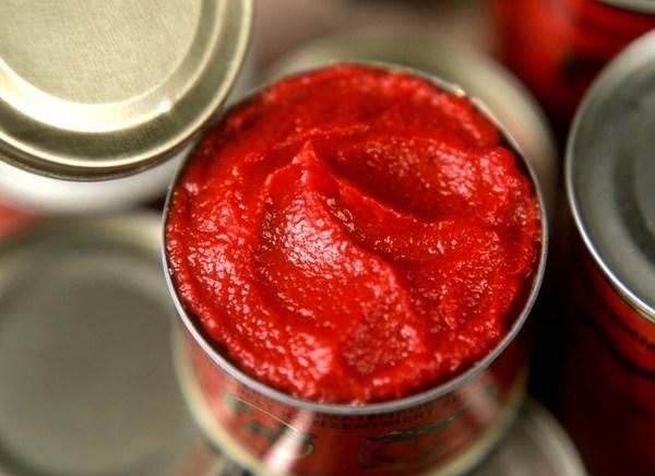 ویژگیهای حسی رب گوجه فرنگی: رنگ، بو و مزه